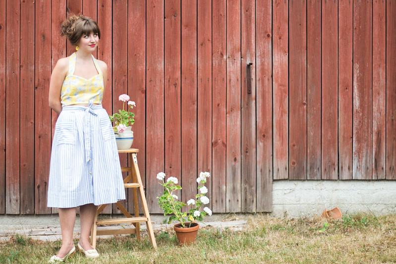 Sypeppen Augusti: Randiga kjolen och blommiga sollivet